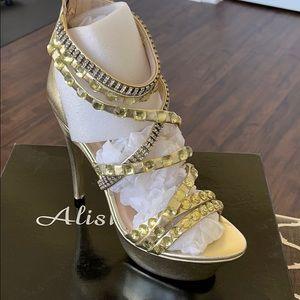 NWOT Alisha Hill Rhinestone Heels, 9.5